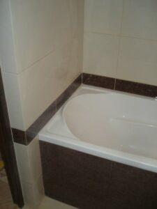 отделка ванны плиткой - квартира в пос. Чкаловск