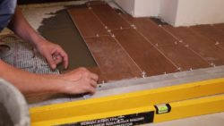 укладка плитки при ремонте